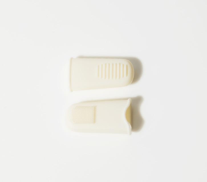 이니스프리-뷰티툴 블랙헤드 굿바이 손가락 실리콘-블랙헤드 및 각질 제거를 도와주는 손가락 실리콘 팁
