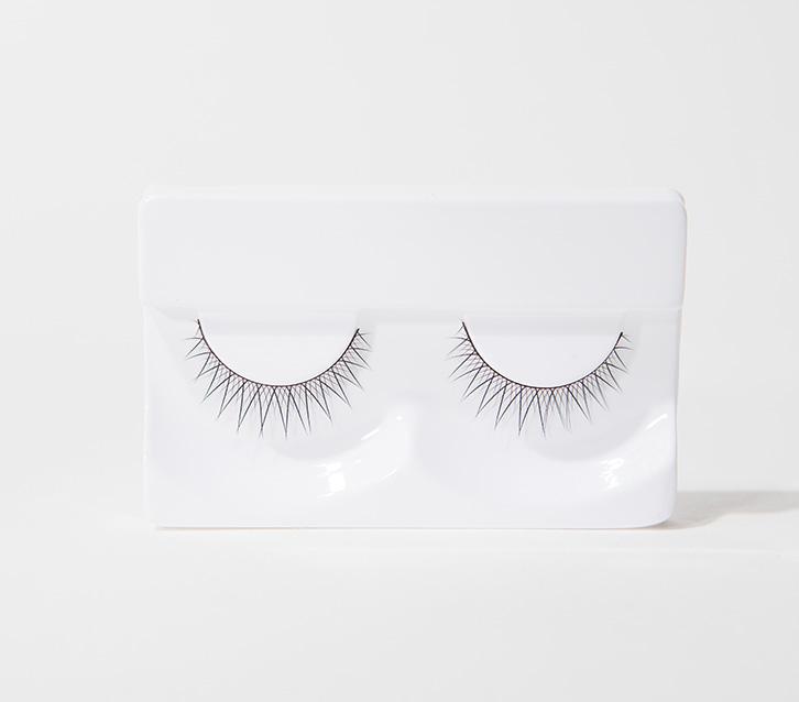 이니스프리-깔끔한 속눈썹-섬세한 컬링으로 매력적인 눈매를 연출하는 가속눈썹