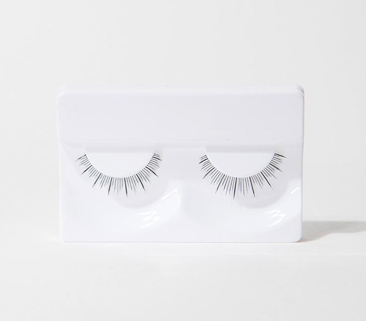 이니스프리-자연스러운 속눈썹-타고난 듯한 자연스러운 눈매를 연출하는 가속눈썹