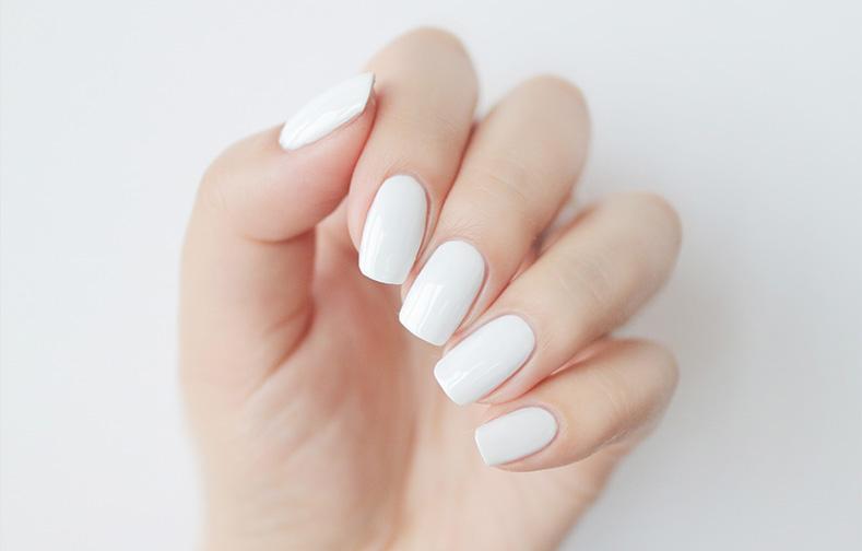 이니스프리-그린 네일-1호 깨끗한 흰셔츠