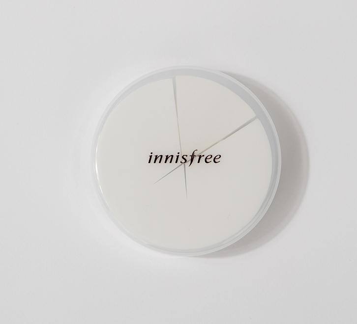 이니스프리-뷰티툴 마스터 하이드로 스펀지-밀착력과 커버력을 높여주어 피부를 매끈하게 표현해주는 라텍스 프리 스펀지