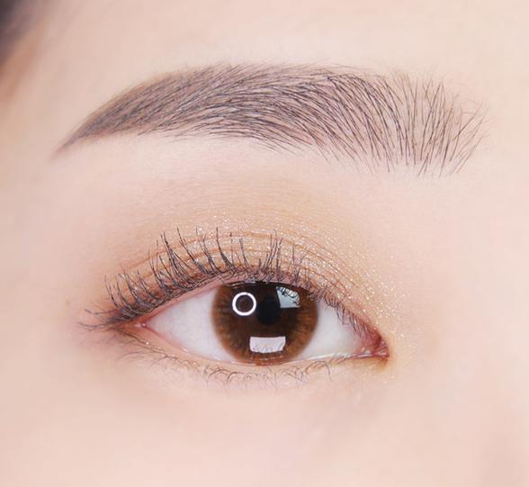 이니스프리-마이 컬러 팔레트-눈 발색컷 비포 선셋 1호 스타더스트