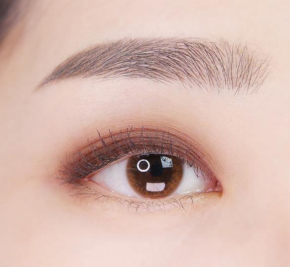 이니스프리-마이 컬러 팔레트-눈 발색컷 비포 선셋 4호 핫코코아