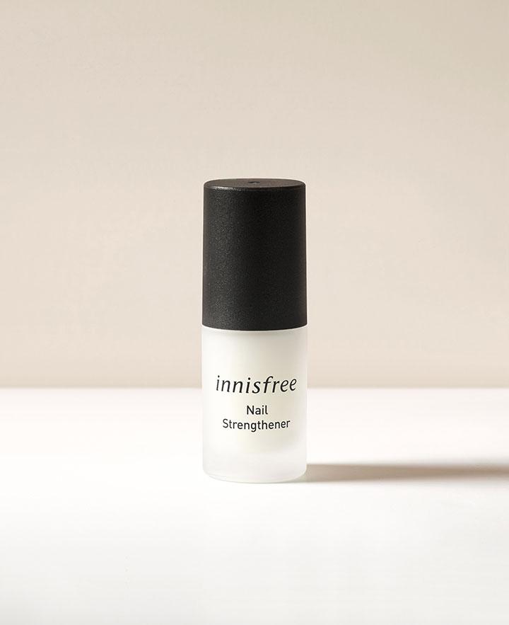 이니스프리-네일 강화제-약해진 손톱에 강력한 보호막을 형성하여 건강한 손톱으로 가꿔주는 네일 전용 강화제