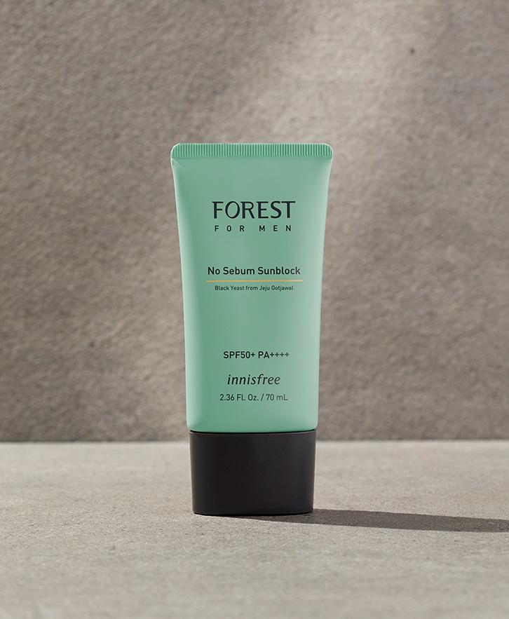 이니스프리 - 포레스트 포맨 노세범 선블록 SPF50+PA++++ 70mL - 숲에서 찾은 피부 보호막 성분 블랙이스트를 함유하고, 백탁 없이 번들거림을 잡아주는 산뜻한 피지 케어 선블록