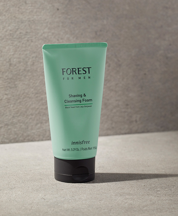 이니스프리-포레스트 포맨 쉐이빙 & 클렌징 폼-숲에서 찾은 피부 보호막 성분 블랙이스트를 함유하고, 매끄러운 쉐이빙과 상쾌한 클렌징을 해결해주는 듀얼 클렌징 폼