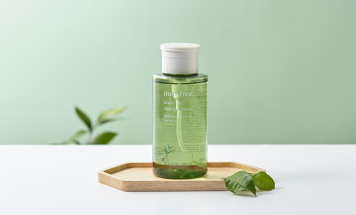 이니스프리 - 그린티 클렌징 워터 300mL - 풍부한 수분이 메이크업을 산뜻하게 닦아내주고 건강한 피부 pH로 가꿔주는 약산성 클렌징 워터